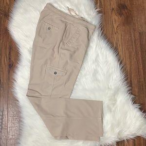 💰3/$25💰L L Bean Ivory Corduroy Cargo Pants